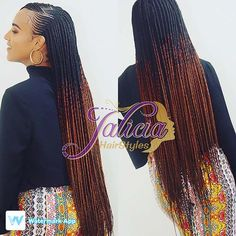 All styles of box braids to sublimate her hair afro On long box braids, everything is allowed! For fans of all kinds of buns, Afro braids in XXL bun bun work as well as the low glamorous bun Zoe Kravitz. Box Braids Hairstyles, African Hairstyles, Girl Hairstyles, Simple Hairstyles, Black Girl Braids, Braids For Black Hair, Natural Hair Styles, Short Hair Styles, Ghana Braids