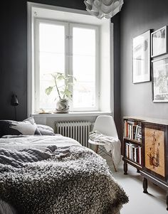 bedroom with gray wall and mini wall art idea | (my) unfinished home
