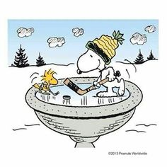 .Snoopy and Woodstock play hockey