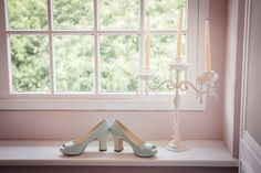 Pale blue peep toe patent shoes | Photography by http://www.frecklephotography.co.uk/
