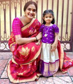 Bhargavi Kunam in handloom saree Kids Dress Wear, Kids Gown, Dresses Kids Girl, Girls Party Dress, Kids Outfits, Kids Wear, Children Wear, Kids Indian Wear, Kids Ethnic Wear