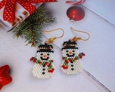 Snowman earrings Christmas earrings Winter earrings Snowman Jewelry Holiday Earrings Christmas bead earrings Christmas gift for her Beaded Earrings Patterns, Seed Bead Patterns, Beading Patterns, Bead Earrings, Beaded Christmas Ornaments, Christmas Earrings, Seed Bead Crafts, Bead Jewellery, Christmas Gifts For Her