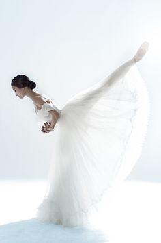 Universal Ballet's Giselle - Ballerina Joo-won ♥ www.thewonderfulworldofdance.com #ballet #dance