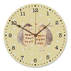 """30 cm Wanduhr Eule Liebe aus MDF  Weiß - Das Original von Mr. & Mrs. Panda.  Diese wunderschöne Uhr von  Mr. & Mrs. Panda wird liebeveoll in unserem Hause bedruckt und an sie versendet. Sie ist das perfekte Geschenk für kleine und große Kinder, Weltenbummler und Naturliebhaber. Sie hat eine Grösse von 30 cm und ein absolut LAUTLOSES Uhrwerk.    Über unser Motiv Eule Liebe  Ganz nach dem Motto """"Owl you need is love"""". Die wunderbare liebes Eule von Mr. & Mrs. Panda.    Verwendete Materialien…"""