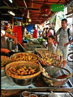 Bangkok with kids. Street food, backpacking Thailand