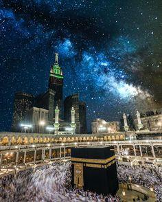 Masjid al-Haram, Mecca/Makkah. The holiest mosque in Islam. Islamic World, Islamic Art, Islamic Sites, Masjid Al-haram, Mekkah, Les Religions, Beautiful Mosques, Islamic Architecture, Islamic Pictures