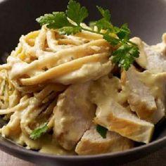 Pollo e Pasta Alfredo - Weight Watchers - Guilt Free Foods - Dieta Ww Recipes, Light Recipes, Italian Recipes, Skinny Recipes, Chicken Recipes, Cooking Recipes, Healthy Recipes, Recipe Chicken, Healthy Chicken