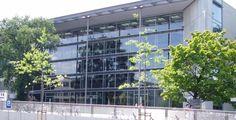 """Technische Universität Dresden """"HSZ TUDresden"""" von Hans-Jürgen Räth Akrisios - Eigenes Werk. Lizenziert unter Public domain über Wikimedia Commons."""