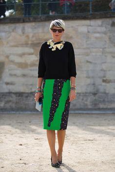 Elisa Nalin, green skirt, black top