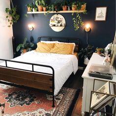 Green Rooms, Bedroom Green, Room Ideas Bedroom, Home Decor Bedroom, Blue And Yellow Bedroom Ideas, Eclectic Bedroom Decor, Dark Blue Bedroom Walls, Dark Cozy Bedroom, Dark Master Bedroom