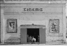 Thomas Hoepker 1956 ITALY. Naples. 1956. Cinema in the outskirts of Naples.