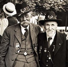 This image was taken at the last veterans reunion at Gettysburg on the 75th anniversary of the battle (1938).
