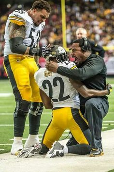 """William Gay gets congratulates by Marquis Pouncey and Assist. Coach Joey Porter forhis """"pick for the year and a record. Steelers beat the Steelers Win, Here We Go Steelers, Pittsburgh Steelers Football, Giants Football, Pittsburgh Sports, Football Memes, Steeler Nation, My New Room, Black N Yellow"""