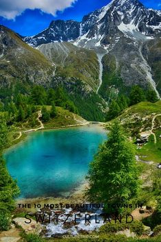 Spectacular mountain vistas, flower-lined nature paths, and picturesque historic centres make these 10 idyllic Swiss towns worth a - Reisen, sehen, essen Places In Switzerland, Switzerland Vacation, Visit Switzerland, Cool Places To Visit, Places To Travel, Places To Go, Travel Humor, Funny Travel, Places Around The World