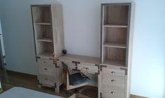 Escritorio y silla para cuarto de varón. Realizado por lalatadelosbotones.blogspot.com