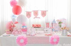 Una fiesta rosa para el primer cumpleaños de una princesa