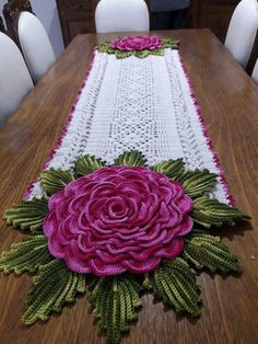 How to make crochet tablecloth - Hobby Time Crochet Table Runner Pattern, Crochet Flower Patterns, Crochet Tablecloth, Crochet Designs, Crochet Flowers, Crochet Kitchen, Crochet Home, Irish Crochet, Thread Crochet