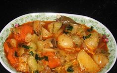 Retete Culinare - Ghiveci de legume Romanian Food, Other Recipes, Thai Red Curry, Main Dishes, Healthy Recipes, Healthy Food, Clean Eating, Vegan, Chicken