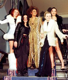 No one can deny style was an important part of the Spice Girls' world domination—see their most memorable fashion looks here. 90s Fashion, Trendy Fashion, Girl Fashion, Fashion Looks, Style Fashion, Fashion Outfits, Spice Girls Outfits, Edgy Outfits, Union Jack Dress