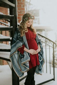 Inspiration For Pregnancy and Maternity : MATERNITY PHOTOS | A Cozy Home Maternity Session Kingdom Photography  London