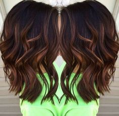 Blunt-Wavy-Medium-Hairstyles-for-Thick-Hair-2017-Caramel-balayage-highlights » New Medium Hairstyles