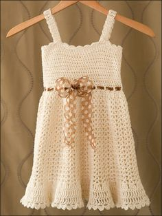 Sundress - so cute. how hard would it be to make for myself?