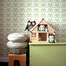 IN LOVE with the Wasabi penguin wallpaper - but already have our colours all picked out and it doesn't involve green.