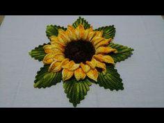 Crochet Flower Squares, Crochet Sunflower, Crochet Flower Tutorial, Crochet Headband Pattern, Crochet Flower Patterns, Crochet Designs, Crochet Flowers, Crochet Table Runner Pattern, Crochet Tablecloth