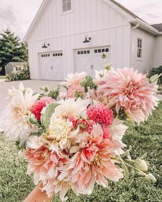 """Lauren on Instagram: """"Posted this to my stories, but then I thought it deserved a spot on my feed too. 🌸 The dahlias always make me question if they're worth it…"""" Wedding Of The Year, Dahlias, Vows, Got Married, Things To Think About, Dream Wedding, Floral Wreath, Wreaths, Instagram"""