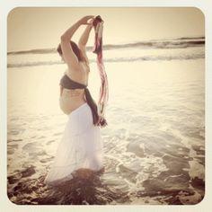 pretty beach maternity portrait