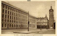 Hôtel des Postes et le Clocher de la Charité - Editeur : X.Goutagny n°14 - Bâti sur les plans de Mr. Michel Roux-Spitz, il se trouve 10 Place Antonin Poncet et fut mis en service le 5 juin 1936.