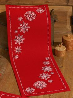 Red Snowflake Runner Cross Stitch Kit