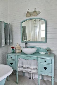 10 Decorative Designs For Your Small Bathroom - Aqua country cottage bathroom, furniture vanity. The Vintage House: Make The… Effektive Bilder, di - Lavabo Shabby Chic, Baños Shabby Chic, Muebles Shabby Chic, Shabby Chic Zimmer, Estilo Shabby Chic, Shabby Chic Interiors, Shabby Chic Bedrooms, Shabby Chic Kitchen, Shabby Chic Furniture