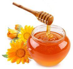 Se anche tu hai questa tipologia di capello, prova il Miele per lavare capelli grassi. I capelli risulteranno più morbidi, lucenti e puliti più a lungo