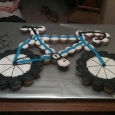 Bicycle Cake from cupcakes...I remember when I made the hubby a bike cake!
