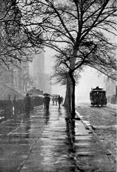 torrid-wind: luzfosca: A Wet Foggy Day, New York, 1899 - photo by John Beeby Thanks to undr (***Click title link to view in high resolution***) Vintage Photography, Amazing Photography, Street Photography, Landscape Photography, Nature Photography, Mysterious Photography, Night Photography, Photography Ideas, Rainy Night
