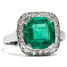 - Ungewöhnlicher Platin Ring mit Smaragd & Diamanten, um1970 von Hofer Antikschmuck aus Berlin // #hoferantikschmuck #antik #schmuck # #antique #jewellery #jewelry // www.hofer-antikschmuck.de (21-0737)