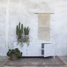 Legend unbelievable Industry Design TV Furniture DEX Table TV Dresser Rack Board Metal vintage white – Make Home Design, Tv Rack, Tv Furniture, Industrial Design, Shag Rug, Table, Tapestry, Home Decor, Decoration