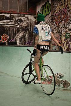 FIXED GEAR GIRL TAIWAN: girl + bike