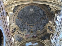 caracci vs pozzo ceiling frescoes His compositions of altarpieces and illusory ceiling frescoes had a strong influence on the baroque andrea pozzo's painted ceiling in the church of st.