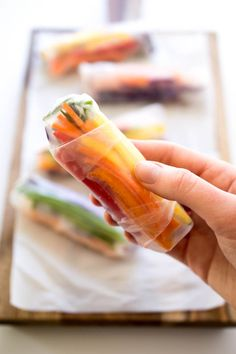 Served with a Sweet and Spicy Chili Sauce. A healthy vegetarian appetizer! Chicken Breast Recipes Healthy, Healthy Eating Recipes, Whole Food Recipes, Vegan Recipes, Healthy Meals, Vegetable Spring Rolls, Healthy Brownies, Vegetarian Cabbage, Rainbow Food