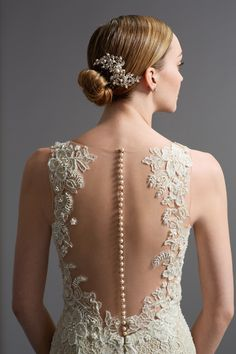 Wedding Dress Photos - Find the perfect wedding dress pictures and wedding gown photos at WeddingWire. Browse through thousands of photos of wedding dresses. Wedding Dress Pictures, Wedding Dress Styles, Bridal Dresses, Wedding Gowns, Bridesmaid Dresses, Prom Gowns, Wedding Attire, Lace Wedding, Dream Wedding