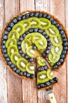 Raw Blueberry and Kiwi Tart   16 Recipes That Prove Kiwis Are The Best Fruit