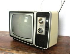 1978 Zenith Television Still Works Vintage TV by PatinaCulture, $95.00
