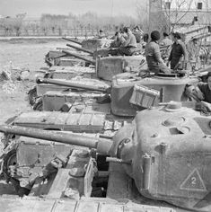 Churchills of The North Irish Horse in Italy, March 1945. #tanks #worldwar2