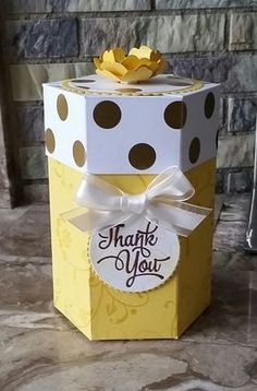 Stampin' Up! Demonstrator stampwithpeg – Hexagon Gift box : Thank you, Daffodil Delight. With instructions/Tutorial I love hexagon boxes, they always look 'a bit posh' and I also enjoy …