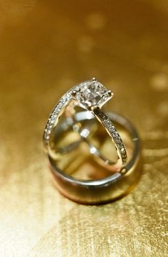 Wedding and Engagement Rings | Classic! | Photography: Debra Eby Photography