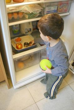 How I Manage Toddler Snacks at Home {and encourage independence} ~ Buggy and Buddy