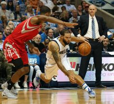 Rockets, Mavs get heated as Trevor Ariza waits outside Dallas locker room = It is safe to say that the Houston Rockets and Dallas Mavericks do not like each other. During Tuesday evening's matchup in Dallas, a 123-107 win for the Rockets, things got…..