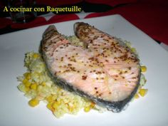 Salmón al horno con arroz salteado